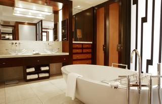 Marina Room Bathroom