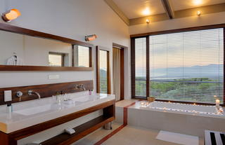 Forst Lodge suite bathroom