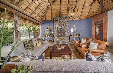 Savanna Main Lodge lounge