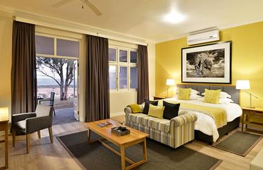 Founders Lodge Contemporary Suite